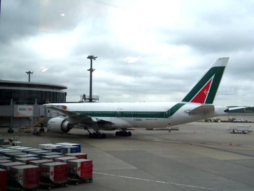 boening Alitalia a Narita
