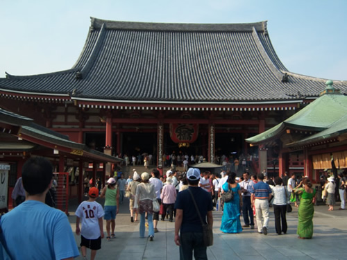 sala principale del sensoji ad Asakusa