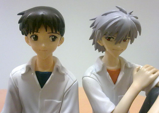 evangelion action figures shinji e kaworu school uniform