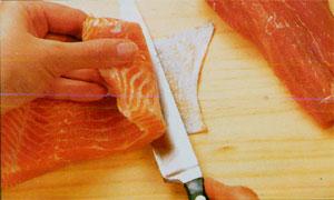 pulire il pesce per sashimi