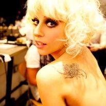 """Osaka: """"Lady Gaga non la vogliamo!"""""""