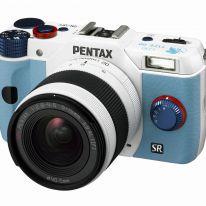 Pentax e Gainax presentano la Pentax Q10